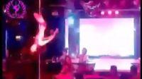 时尚-潮流性感美女酒吧钢管舞HOT