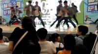 好有气派的街舞, 十个穿牛仔裤搭衬衫的哥哥姐姐, 舞姿太酷了