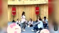 程潇、黄明昊solo女团舞, 结果秒上地板舞! 厉害了