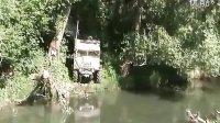 视频: 强悍的拖拉机,悍马什么的一边倒吧!(超流畅高清)PRADA http:g234.taobao