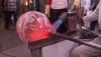 国外观赏玻璃碗的制作全过程,完全靠的是经验,这碗卖多少钱啊?