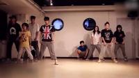 这!就是街舞:易烊千玺和小小千嘉禾日常练舞超萌的!太可爱了!
