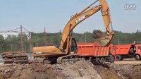 Case凯斯CX350B挖掘机在工作