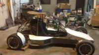 牛人花费三年时间用铃木GSX-R1000发动机打造出一辆赛车