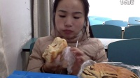 [9爱吃饭的妹子]脆皮年糕+三明治+饭团+豆沙包+肉松面包+小熊饼干