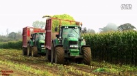 约翰迪尔7450青贮收割机收割玉米秸秆