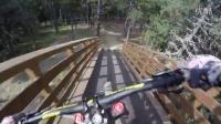 视频: POLYGON - ALEX FAYOLLE安道尔16年UCI速降世界杯赛道练习POV!