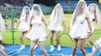 一群美女白色婚纱短裙性感热舞