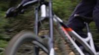 COMMENCAL - 法国新好手HUGO FRIXTALON极速SUPREME DH V4.2速降骑行!