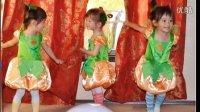 中美混血超可爱三胞胎小美女宝宝万圣节南瓜小精灵超萌造型照