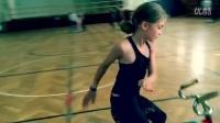 视频: 美萝莉玩自行车