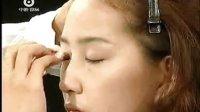 初学者轻松化妆 教你掌握眼线液的画法