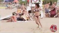 【搞笑短片】美女自拍 美女被恶搞视频 99LBKC最新网址入口相关视频