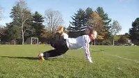 视频: 街头足球背上滚球教学 国外花式足球教学视频第十五集