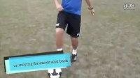 【偶偶足球装备网-足球教学】内外脚背拨球教学
