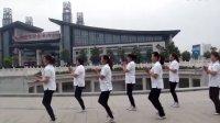 曲阜舞动人生广场舞《一万个舍不得》QQ群;100266291