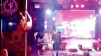 酒吧领舞教学 轩依钢管 舞  美女钢管舞 夜店钢管舞视频