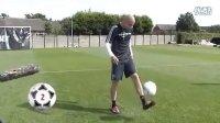 视频: 利物浦球星挑战188BET技巧秀