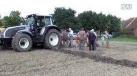 视频: 维美德拖拉机配备农具展示