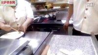 意大利披萨的做法-比萨店制作披萨