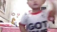 小孩跳大象舞