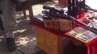 还在为买不到刀枪管制刀具而忧愁吗?毕节七中对面小贩为您服务