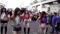 yy金龙 现实喊麦我的舞伴是一群美女跳劈腿舞群众立正 高清