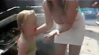 视频: 乐死你!女孩出糗失误集锦http:www.y987.net206.html