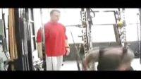 实拍63岁史泰龙为拍《敢死队》搏命健身
