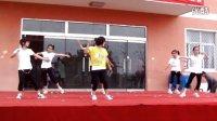 玉山镇中心小学六一《潇洒小姐》视频,最牛学生舞蹈