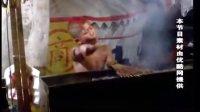 《都市快报》优酷网上惊现最雷人的卖烤肉小孩