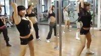 性感钢管舞健身KEM