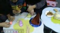 莎朗教育庆生日迎圣诞晚会-同学们在使用超轻粘土做蛋糕