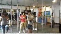 市场  长沙钢管舞培训02 大香蕉新版伊人综合网相关视频