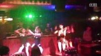 新疆乌鲁木齐爵士舞墨舞夜店演出队员城市四号店演出