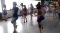 视频: 内江隆昌561街舞工作室 Lily 课堂实录 QQ718971065