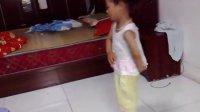 看看3岁小孩是怎么跳现代舞的