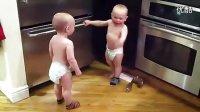 双胞胎婴儿的对话……总觉得他们在谈论什么高深的问题嗯…