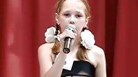 看俄罗斯小女孩唱卫国战争歌曲《阿廖沙》(Алёша)