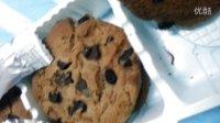 趣多多巧克力饼干惊现咖啡色驱虫
