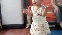 宝宝一岁学走路