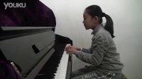 李百加表演钢琴曲《四小天鹅舞曲》