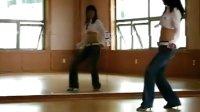 在迪厅基本的跳舞动作