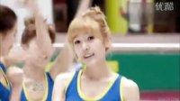 (高清视频下载上www.115pan.com)韩国清纯美女组合 少女时代OH!蓝衣白裙滑冰场