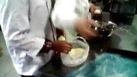 奶排馅酥粒面包1