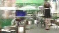 【好声好色俄罗斯】俄罗斯美女恶搞餐厅脱裙美女服务员