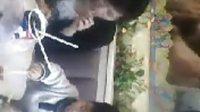 视频: 长沙娱乐网-记者-财神-暴料-2011长沙最最可爱BOY吃肯德基