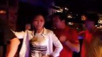 甲搓舞-玛达米酒吧-摩梭族的姑娘小伙们