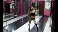 徐州钢管舞培训中心H 不扣纽扣的女孩相关视频