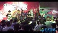 7月22号,泸州摩尔平台-泸州原创乐队演出-泸高巅峰乐队1